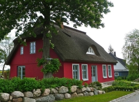 thatched-roof-335237_1280